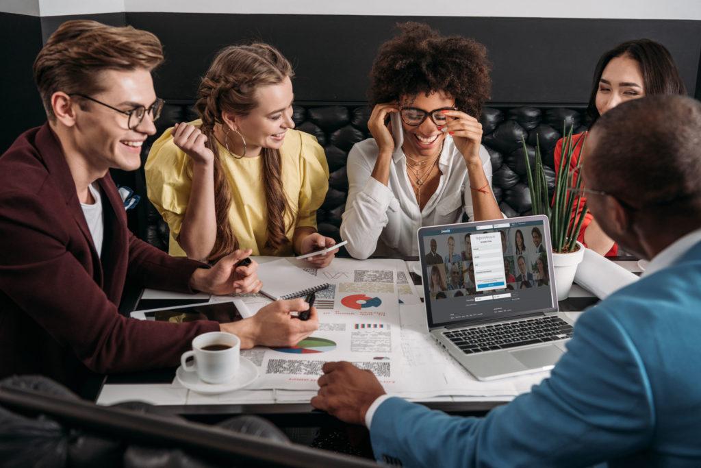 Conversa com o consumidor via LinkedIn